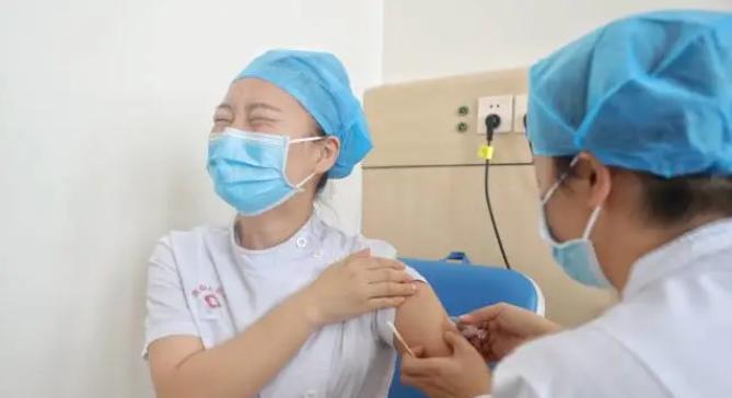 国宣布附条件批准首支新冠疫苗注册申请