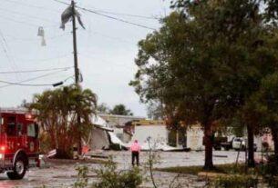 据美国国家气象局和塔拉哈西国际机场在社交媒体上发布的消息,龙卷风27日中午时分出现在该机场,至少一处机库受损,一架小型飞机被掀翻,所幸无人员伤亡。该机场随后关闭,在进行损失评估和安全检查后,已重新开放。