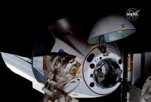 3名游客计划在明年1月搭乘飞船前往国际空间站旅游,为此每人支付5500万美元。