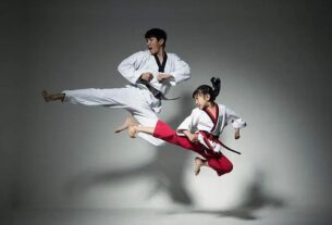 """被称为韩国网络外交使节团的民间团体""""韩国之友""""(VANK)6日表示,英国近期推出的一本韩国旅行指南认为""""跆拳道源于中国唐朝""""属于歪曲韩国文化历史的行为。"""