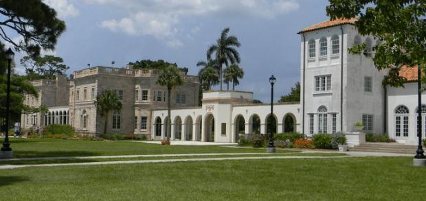 佛罗里达州立法机关提出将两所小型公立大学合并的法案