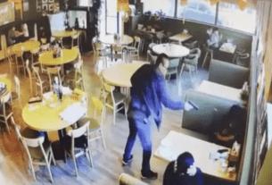 当地时间5日,加州洛杉矶一家餐厅发生命案,两名华人男女被枪杀。媒体日前发布了一段现场监控视频,可以看到枪手杀人后相当镇定,甚至等待20秒,确认两人死亡后才离开。