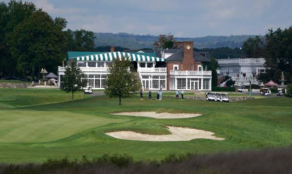 特朗普考虑今夏搬至新泽西州的高尔夫俱乐部