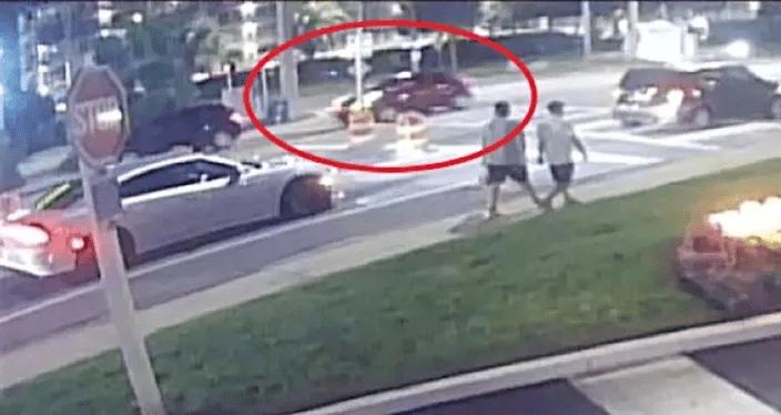 佛州越南裔家庭过马路遭横祸,被飞车猛撞一死四伤