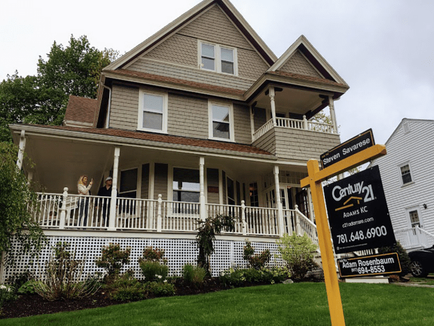 美国多地房价翻番 经济学家预计状况将持续