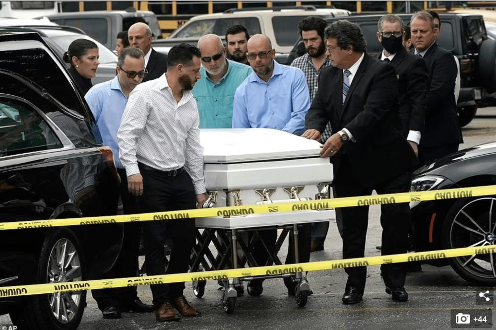 首场迈阿密公寓遇难者葬礼举行,悼念4口之家