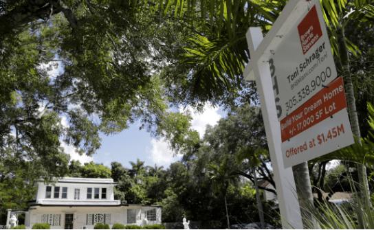 佛罗里达州的房地产估计被高估了20%