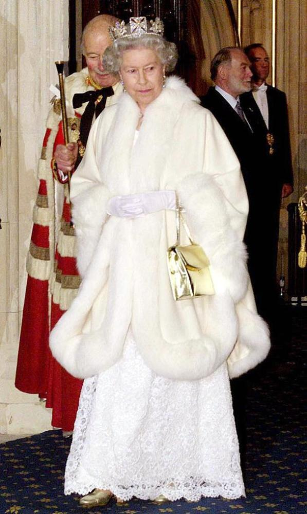 """不服老,英国女王婉拒""""年度老人奖"""""""