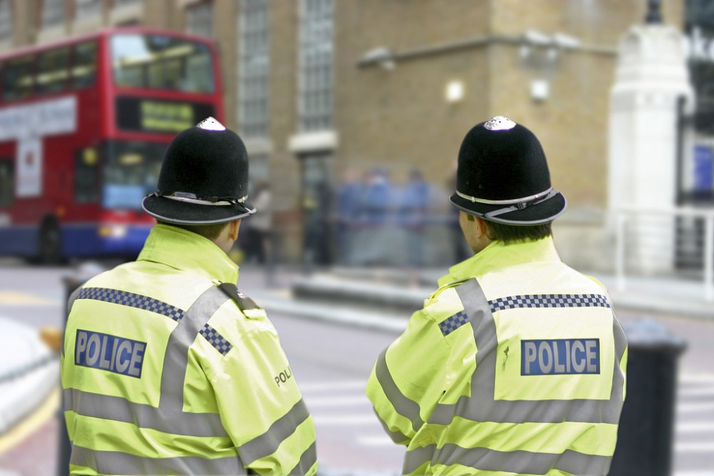 英媒:2000警察涉嫌性犯罪,英警方被指有意包庇