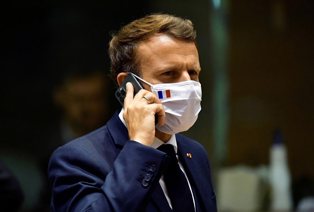 试图用马克龙的健康码进入医院,法国一男子被逮捕
